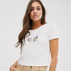 Hollister | Cropped Flower Tee 🌸